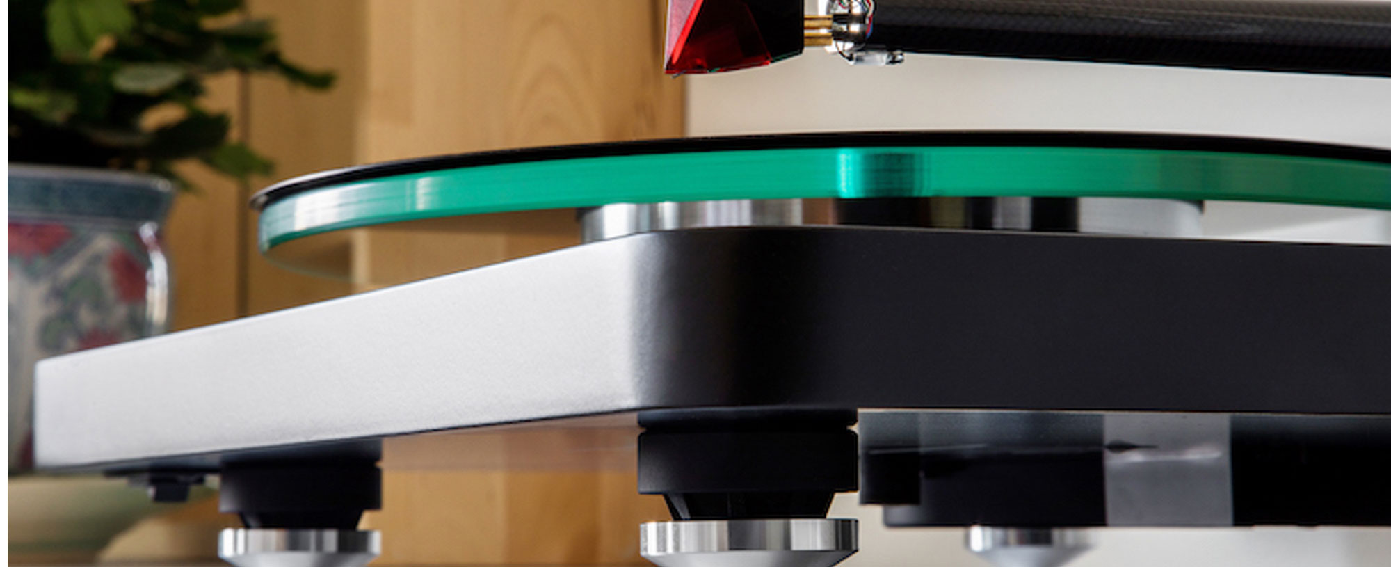 NAD C588 Belt-Drive Turntable System Preview